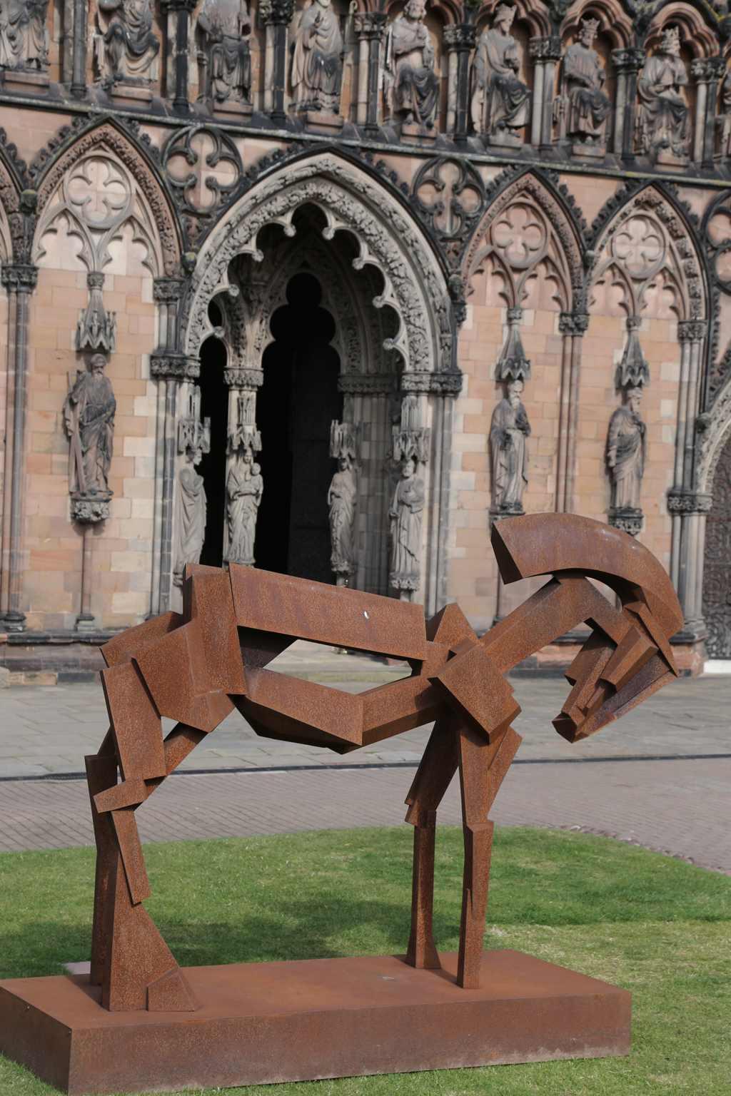 Peter walker sculptor lichfield cathedral e